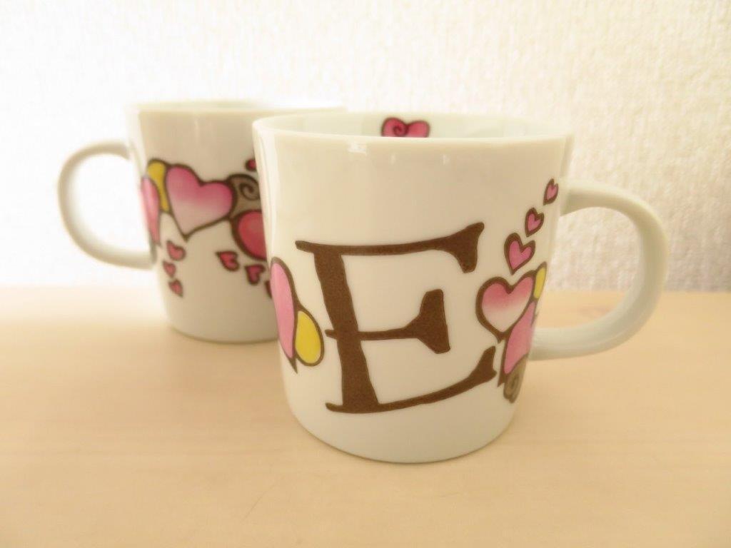 画像1: ハートのイニシャルマグ 「E」